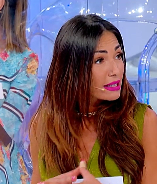 Ida Platano Attacco UeD Tina Cipollari Lascia Studio