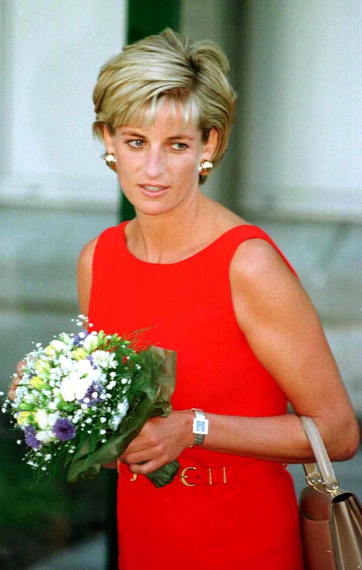 Harry Meghan Markle Assenti Festa Lady Diana