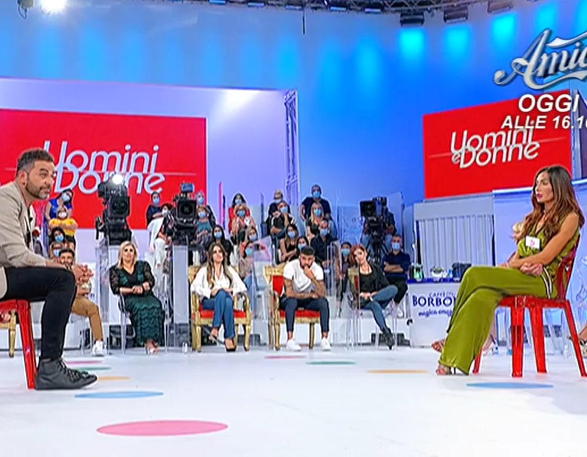Ida Platano UeD Lascia Studio Attacco Tina Cipollari
