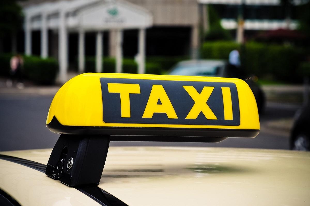 Hannah Collins storia ex fidanzato passaggio taxi