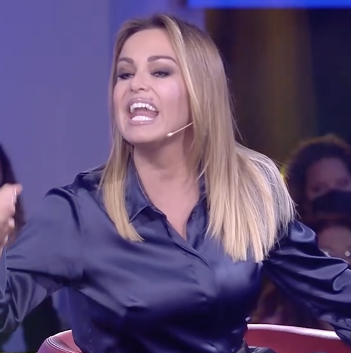 Adriana Volpe aereo sonia bruganelli