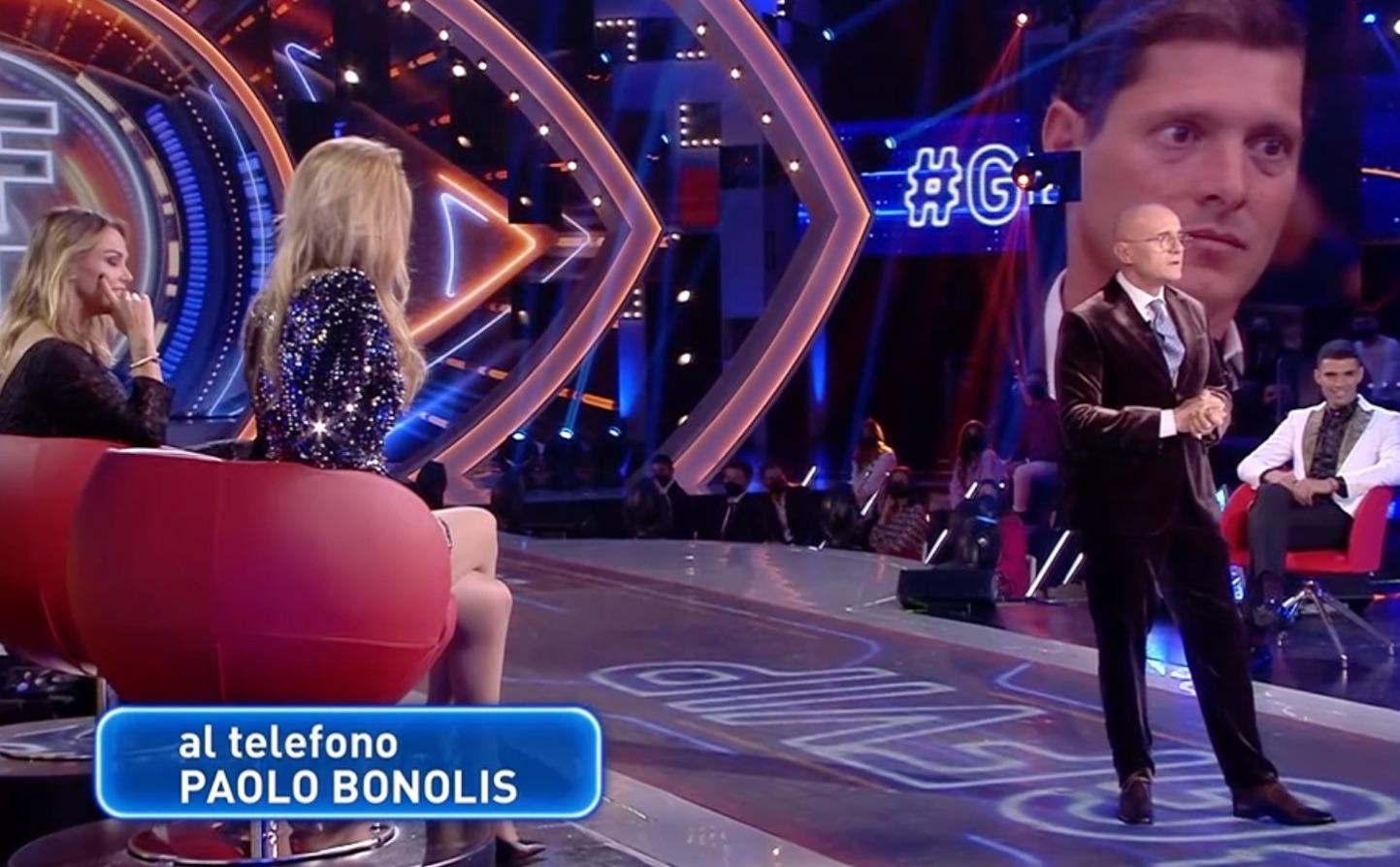 Sorpresa al GF Vip, Paolo Bonolis chiama in diretta: il segreto sulla moglie Sonia Bruganelli