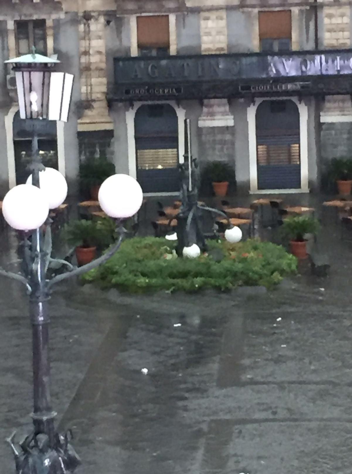 maltempo tornado catania