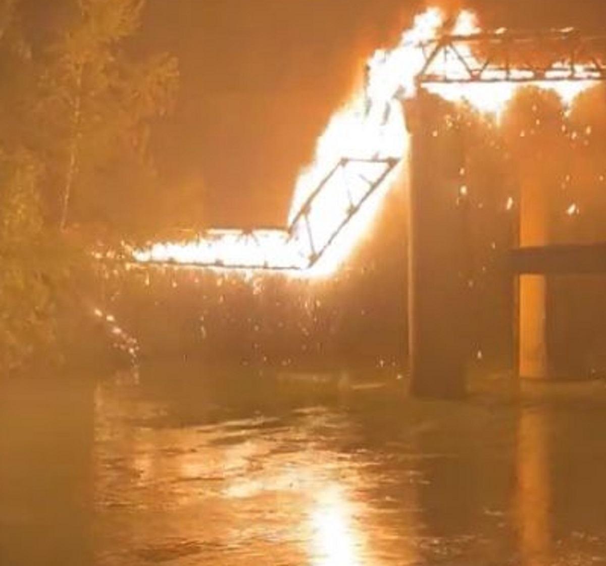 Roma Ponte di Ferro incendio intervento cause ipotesi
